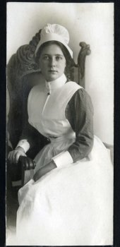 Elizabeth Scarlett, Montreal General Hospital School of Nursing Quebec, 1914